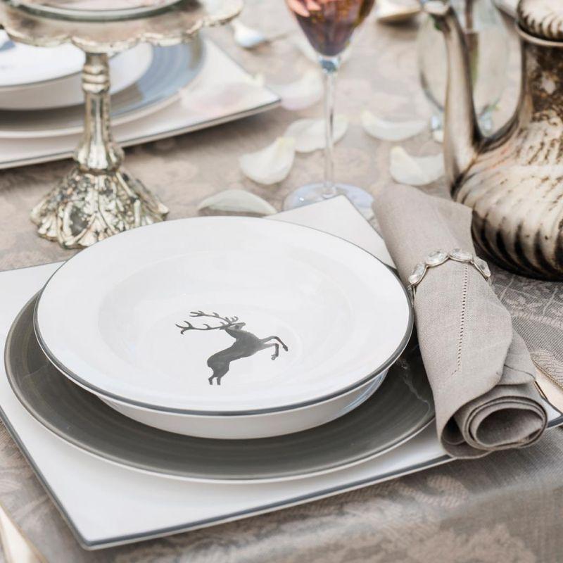 gmundner keramik grauer hirsch dinner for two clas. Black Bedroom Furniture Sets. Home Design Ideas
